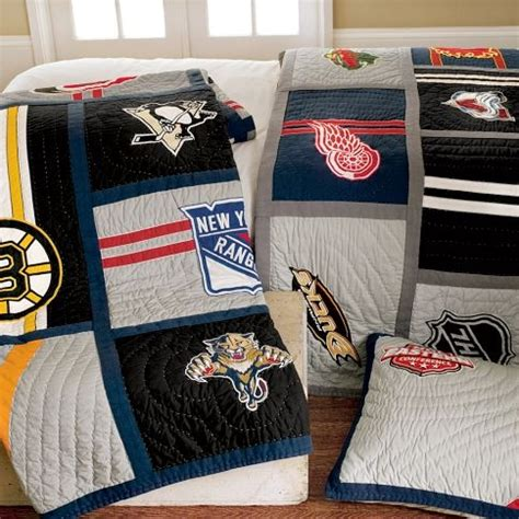 hockey bedroom 25 best ideas about boys hockey bedroom on pinterest