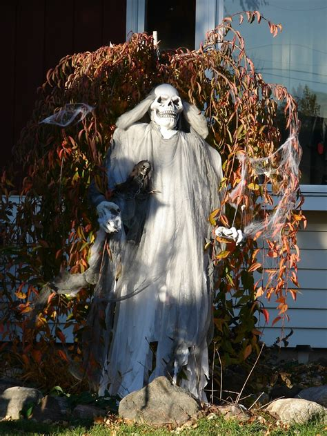 at home halloween decorations outdoor halloween decorations ideas to stand out