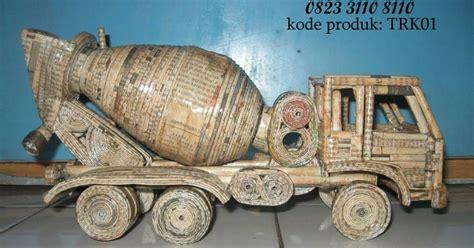 Truck Mixer Bekas karya seni dari koran bekas truk molen mixer truck