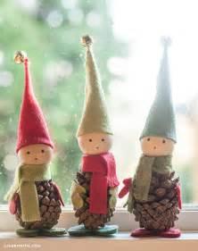 26 diy pine cone crafts for a festive decoration