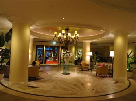 Hotels With Mirrors On The Ceiling by Mirrors On The Ceiling Pink Chagne On Picture Of