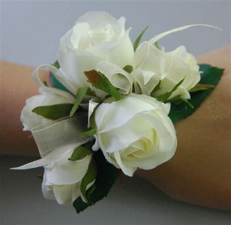 Corsage Flowers by White Flower Wrist Corsage Www Imgkid The Image