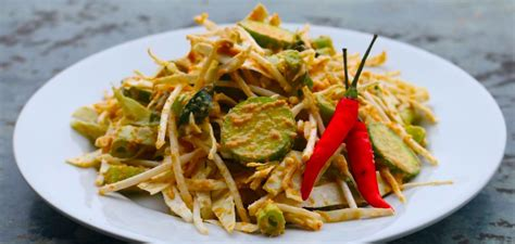 ragam salad tradisional indonesia  balutan saus