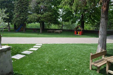 giardini con erba sintetica realizzazione giardini erba sintetica a mantova brescia e