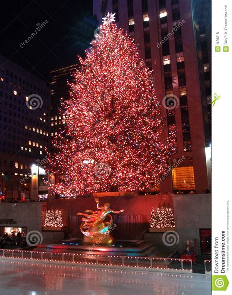 christmas tree lighting celebration at rockefeller center