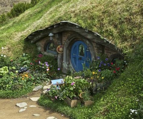 hobbit house pictures hobbit house hobbiton picture of hobbiton set
