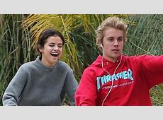 Justin Bieber & Selena Gomez OFFICIALLY Back Together ... Justin Bieber And Selena Gomez Back Together 2017