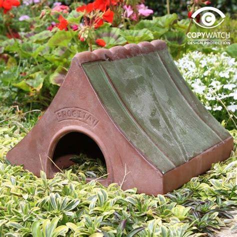 Hund Frisst Pilze Im Garten by Wildlife World Froschhaus Keramik Villa J 228 Hn Gmbh