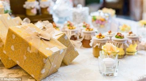 Average Money Gift At A Wedding by Wedding Goers Splash Out More Than 163 87m A Year This Is Money