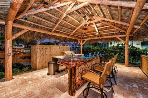 Tiki Bar Hut For by Tiki Bars Big Kahuna Tiki Huts