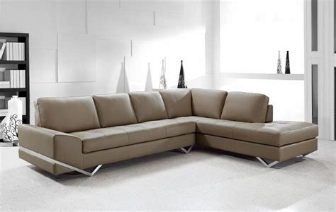 Modern Sectional Couches by Modern Sectional Sofas And Corner Couches In Toronto