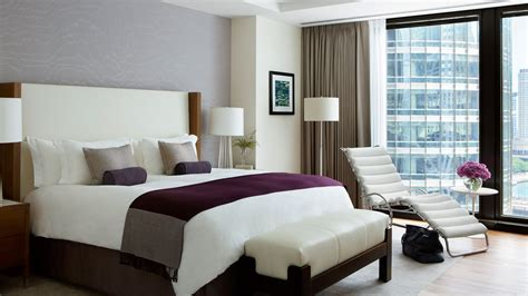 hotel rooms chicago hotel at a glance chicago luxury hotel the langham chicago
