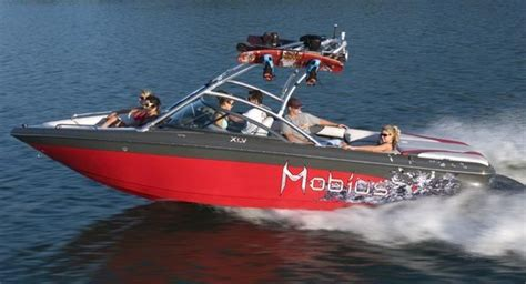 ski boat moomba research 2010 moomba boats mobius xlv on iboats