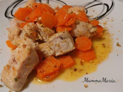 vari modi per cucinare il petto di pollo bocconcini di pollo con carote al limone e granella di