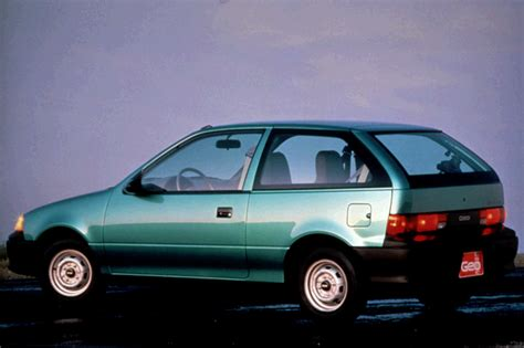 how does a cars engine work 1993 geo tracker electronic valve timing 1990 94 geo metro consumer guide auto