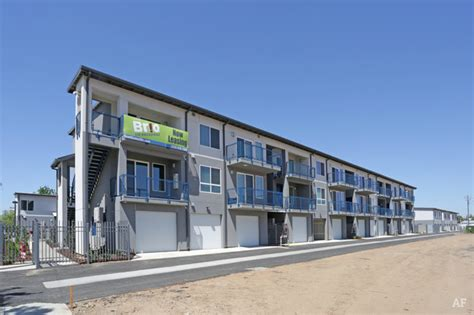 Apartments On Broadway Brio On Broadway Fresno Ca Apartment Finder