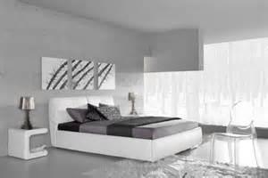 lit deux personnes moderne