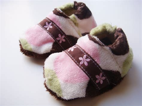 Sew Soft Baby Slippers The Diy Mommy