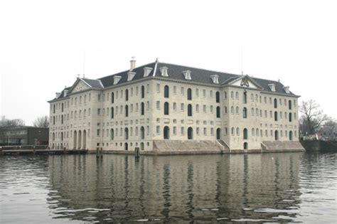 vloer scheepvaartmuseum glaskap scheepvaartmusem in vorm windroos 187 bouwwereld nl