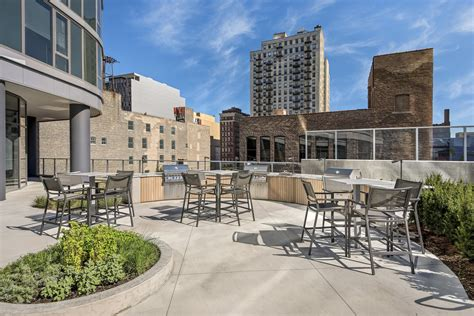 bargain priced luxury at south loop apartments 1001 s state st chicago il 60605 vesta preferred realty