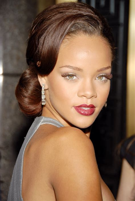 rihanna hairstyles gallery 40 rihanna hairstyles to inspire your next makeover huffpost