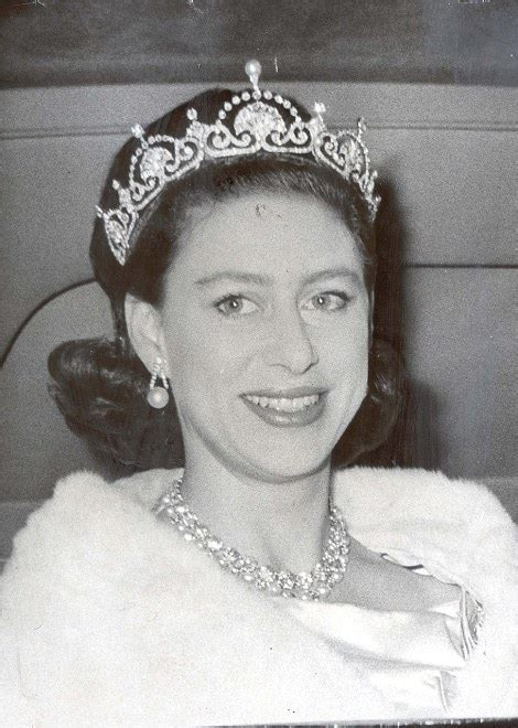 princess margaret kate middleton chooses princess margaret s favourite lotus flower tiara daily mail online