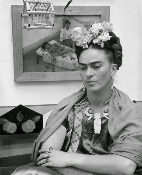 Firda Syar I 40 fascinating black and white portraits of frida kahlo