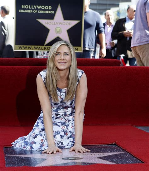jennifer aniston  marry    year