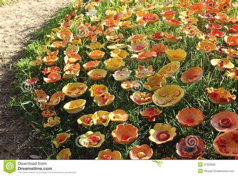 fiori di ceramica fiori di ceramica fotografia stock immagine di yellow