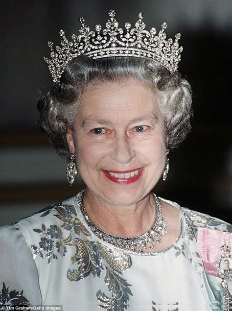 37 reasons why people love 37 piece queen bedroom set why the queen s voice has got deeper every decade daily