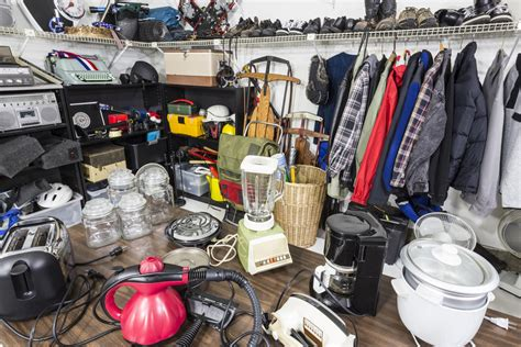 downsize your stuff 10 items to throw out before moving