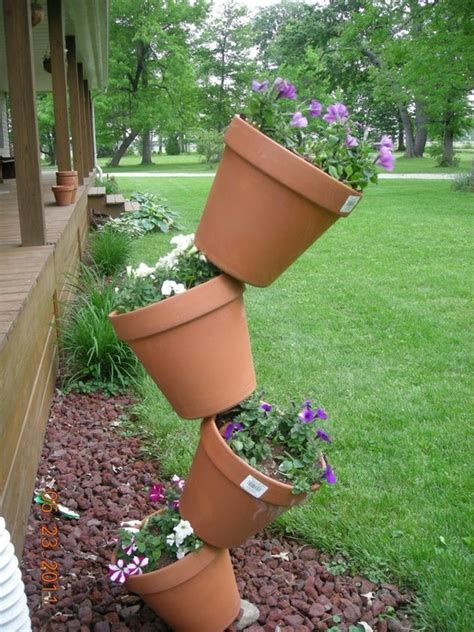 Topsy Turvy Planter Tips by 1000 Images About Topsy Turvy Planter Ideas On