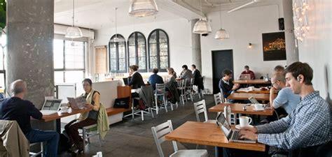 kedai kopi menjadi tempat kerja  tidak majalah otten coffee