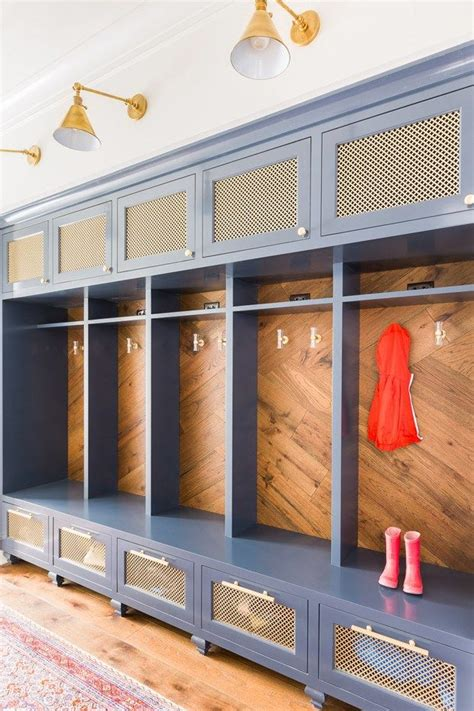 how to build a mudd station best 25 built in lockers ideas on pinterest mudroom