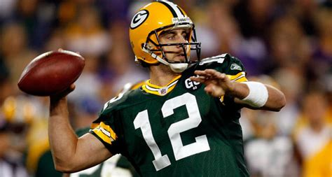 aaron rodgers of green bay packers defends leadership style rodgers a solid start vs vikings jets rb jones a nice