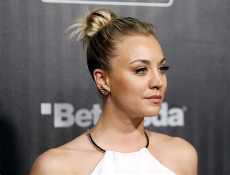 kaley cuoco covers up wedding date tattoo with giant