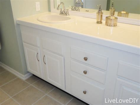 updating bathroom ideas livelovediy easy diy ideas for updating your bathroom