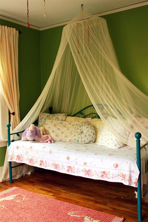 shabby chic daybed bedding splashy daybed bedding sets decorating ideas for living