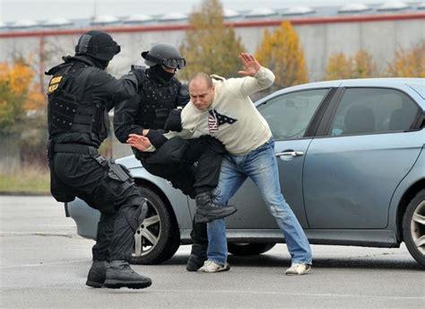 film it komentari foto repera stoku uhitila specijalna policija nacional hr