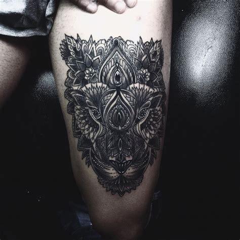 pi 249 di 25 fantastiche idee su tatuaggi sulla coscia su