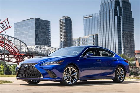 2019 Lexus Es 350 F Sport by 2019 Lexus Es 350 Review Gear Patrol