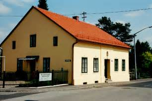 adolf hitler house house where hitler lived for seven years in leonding austria