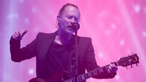 Cardy Stipe radiohead ignore critics of israel show play set