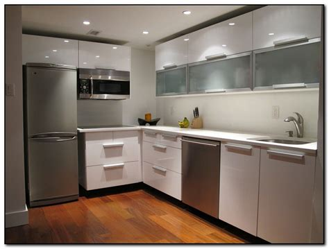 modern kitchen cabinets the benefits of having modern kitchen cabinets home and