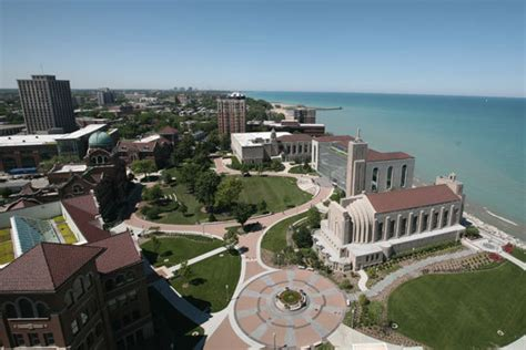 Loyola Chicago Mba by The Most Beautiful And Ugliest College Cuses In