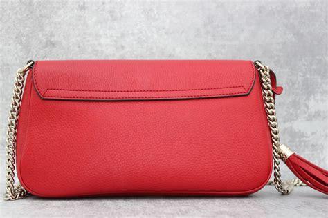 J Gucci Soho Kas gucci soho leather chain shoulder bag at s