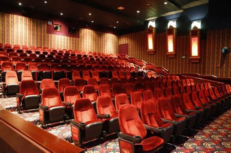 Tulsa Theaters With Recliners by Broken Arrow Warren Theatre 5 Ways To See A Tulsa
