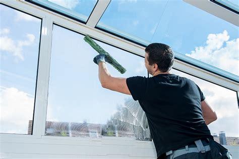 Wann Fenster Putzen by Fensterputzen