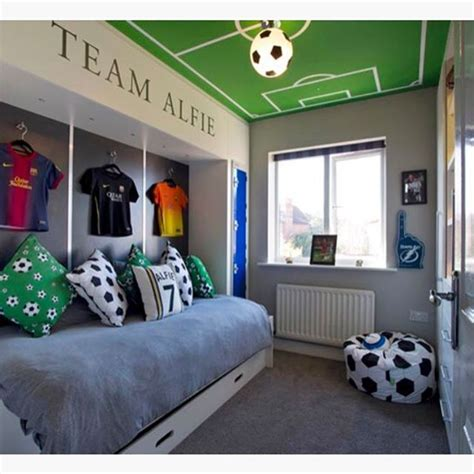 Soccer Room Decor 25 Best Ideas About Soccer Bedroom On Pinterest Soccer Room Boys Soccer Bedroom And Soccer