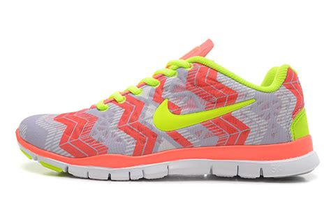 nike free tr fit 3 womens running shoes light gray pink